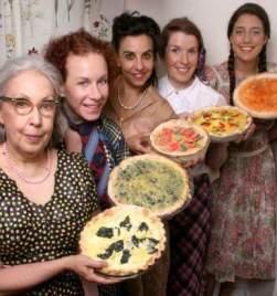 5 Lesbians Eating a Quiche (promo shot by Kathy Slamen)