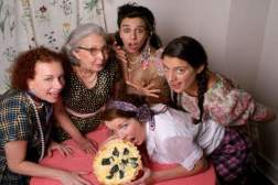 5 Lesbians Eating a Quiche (promo shot by Kathy Slamen)